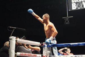 Juan Díaz vuelve al boxeo con victoria (Video)