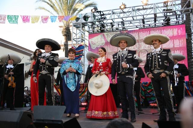 México sonó fuerte en presentación de 'Qué bonito amor' (video)