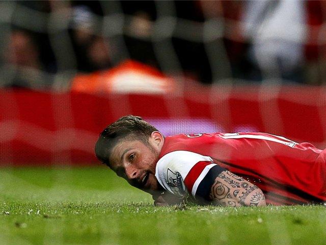 Arsenal pone en riesgo su puesto en Champions (Fotos)