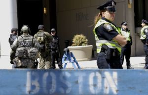 FBI y policía niegan detención de sospechoso en Boston