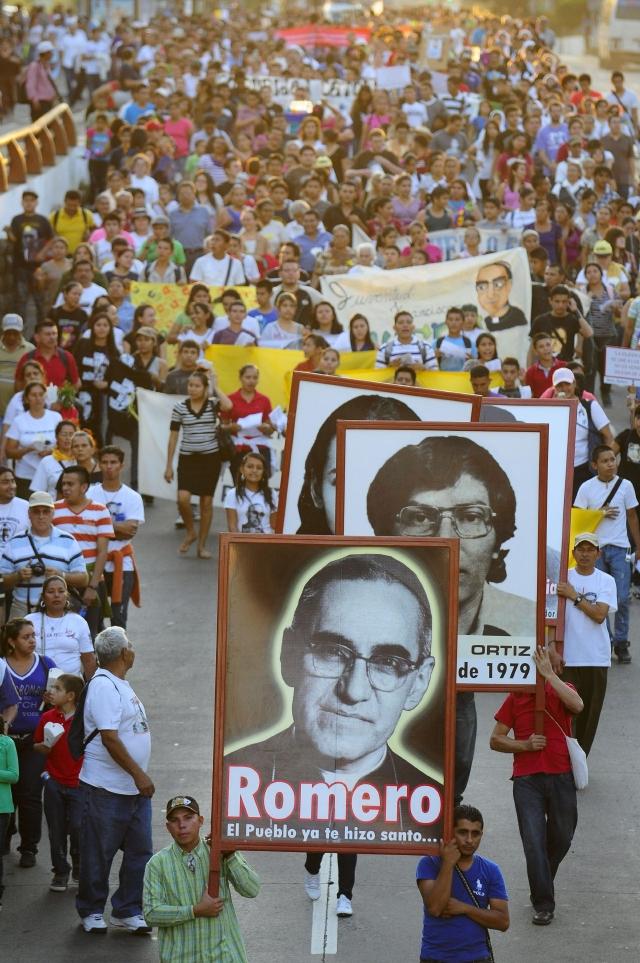 Desbloquean canonización de Romero