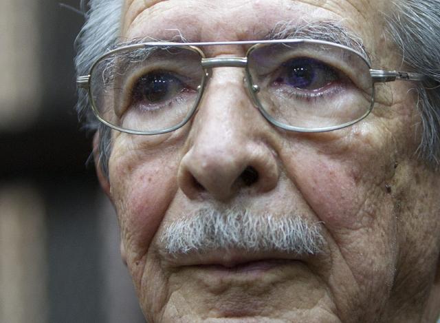 Piden reanudar juicio contra  Ríos Montt