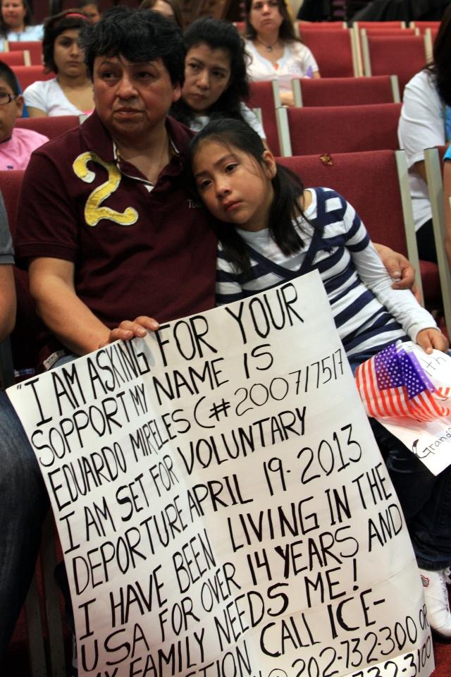 Se salva de ser deportado