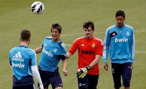 Barsa y Real Madrid quieren levantar el ánimo en la Liga