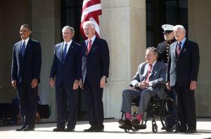 Bush exalta su gestión