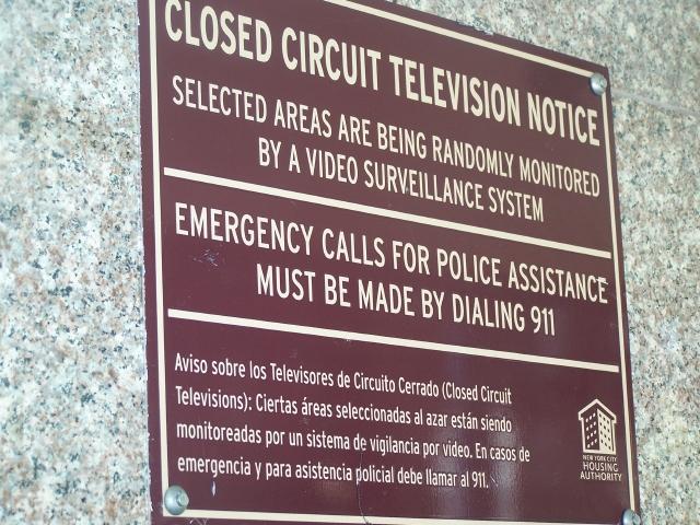 Más vigilancia en viviendas de Brooklyn