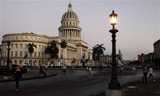 Juez de EEUU permite a espía quedarse en Cuba