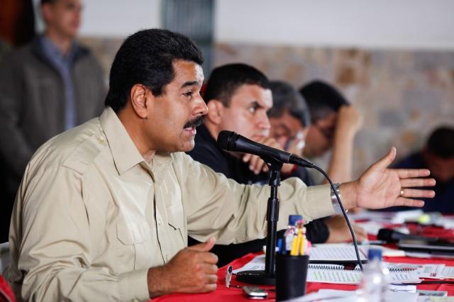 Maduro busca alimentos para venezolanos