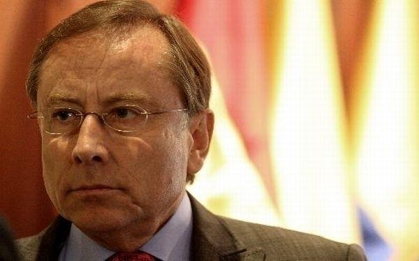 Embajador de Ecuador en Perú deja el cargo tras escándalo