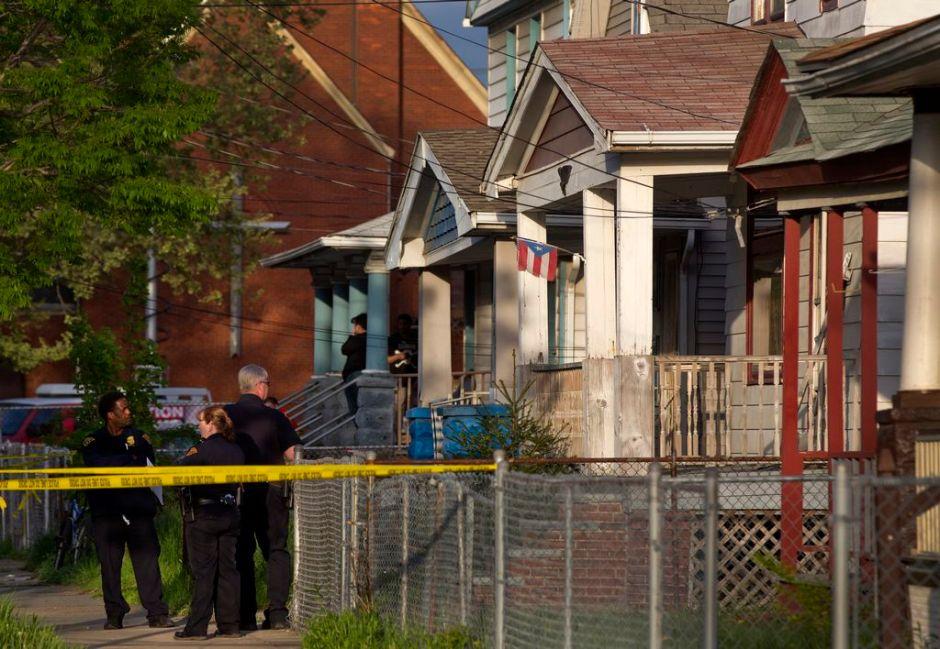 Hispano arrestado por tener 3 mujeres cautivas en Ohio