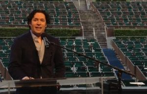 Gustavo Dudamel regresa al Hollywood Bowl