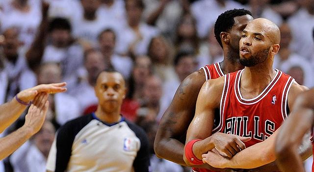Miami Heat apalea a Chicago Bulls y empata la serie