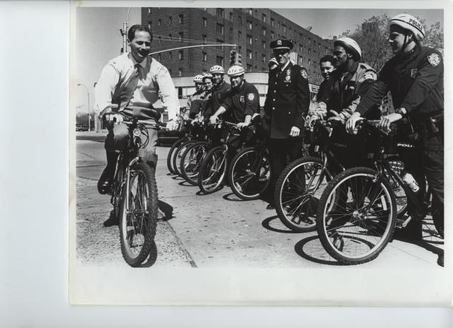 Bicicletas para policías de El Bronx