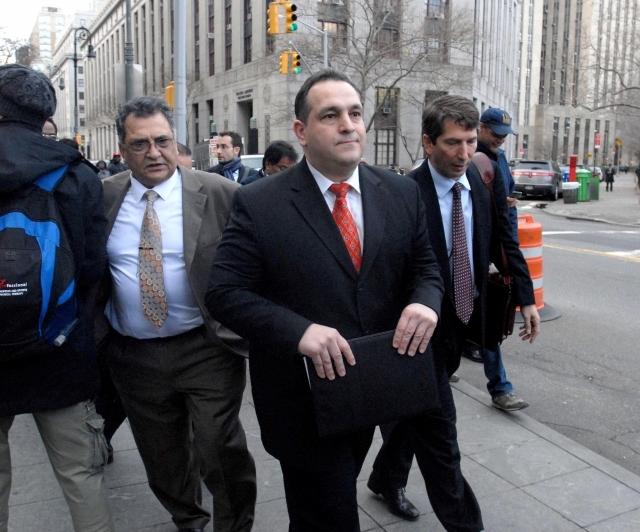 Exsenador Hiram Monserrate comienza a cumplir cárcel