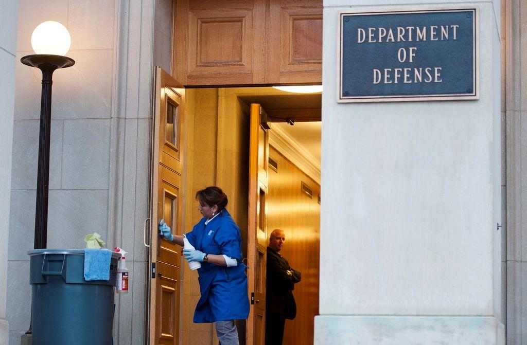 Unos 820,000 empleados públicos sin sueldo por recortes