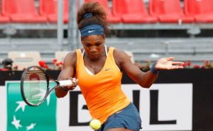 Williams y Sharapova avanzan a cuartos en Roma