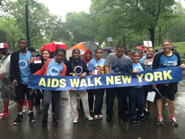 Ni lluvia frenó caminata contra VIH