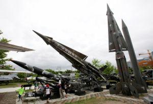 Norcorea dispara misil hacia el mar