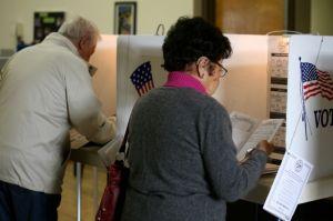 Hay 15 millones de votantes latinos no registrados; para estimularlos Bloomberg dona $500 mil dólares a campaña de actriz Rosario Dawson