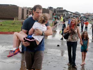 Al menos 20 niños entre los muertos en Oklahoma (fotos)