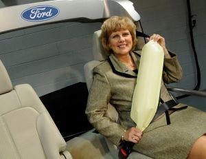 Ford lanza los cinturones de seguridad inflables