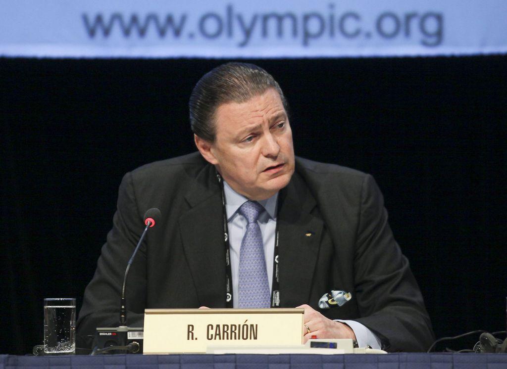 Puertorriqueño Richard Carrión busca presidencia del COI