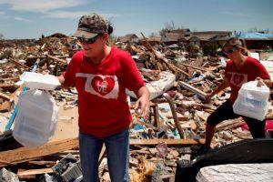 Autoridades identifican a 23 víctimas del tornado en Oklahoma