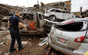 Tornado de Oklahoma costaría $2,000 millones (fotos)