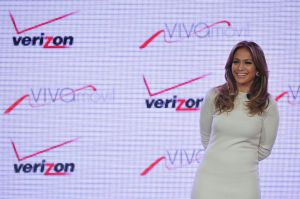 Jennifer López venderá teléfonos a los hispanos