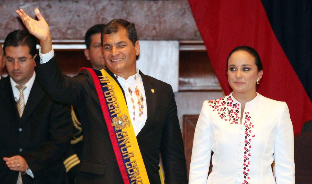Correa jura nuevo mandato en Ecuador