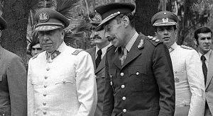Viuda de Pinochet es internada de urgencia