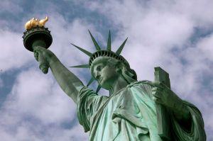 Oficiales de NY temen ataques terroristas en Ellis Island