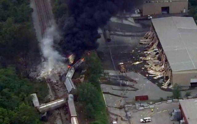 Descarrilamiento de tren en Maryland provoca explosión