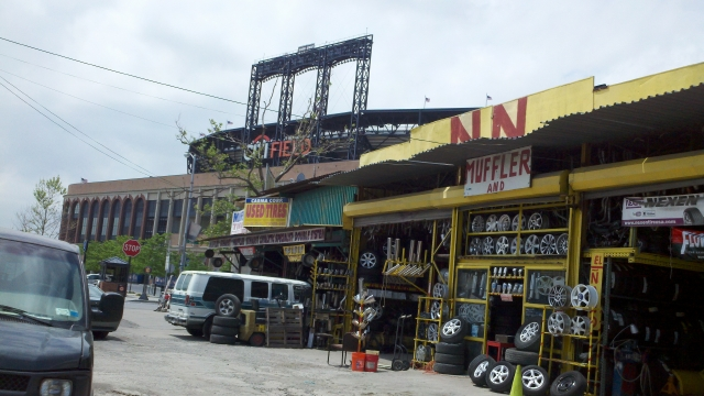 NY Mets lanzan plan de $1.2 millones para asistir a empleados y proveedores de su estadio en Queens