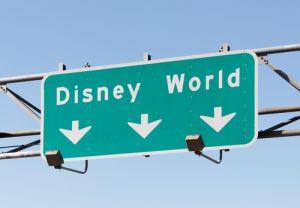 Visitante de Disney en Orlando halla arma en machina