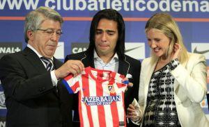 Emotiva despedida de Falcao del Atlético de Madrid (Video)