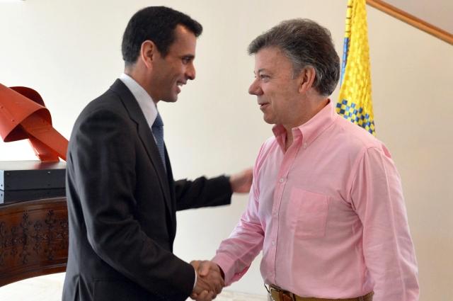 Santos defiende reunión con Capriles