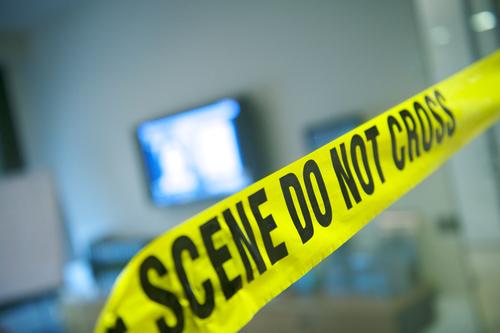 Autoridades en Florida investigan muerte de anciano en lavandería