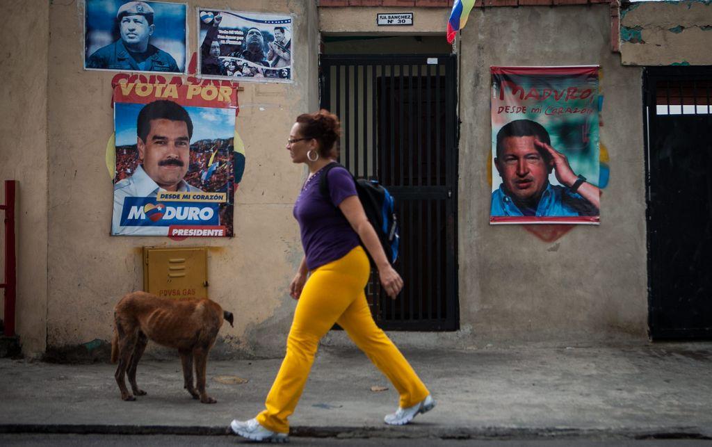 Maduro rechaza restricciones a las compras en Venezuela