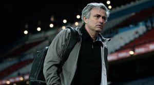 Dueño del Chelsea evita salida del técnico de inferiores