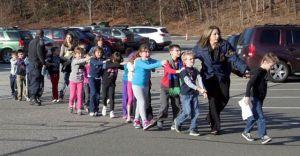 Escuelas en Newtown son desalojadas por amenaza