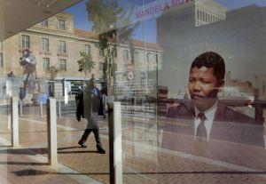 Mandela está en condición crítica pero estable