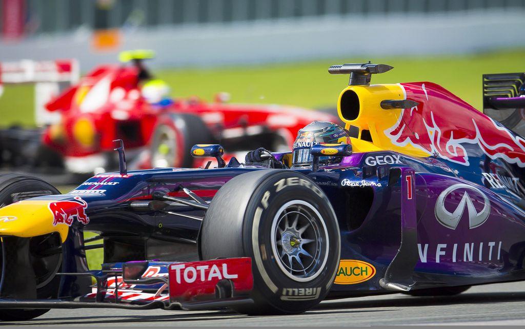 Sebastian Vettel se queda en Red Bull hasta 2015