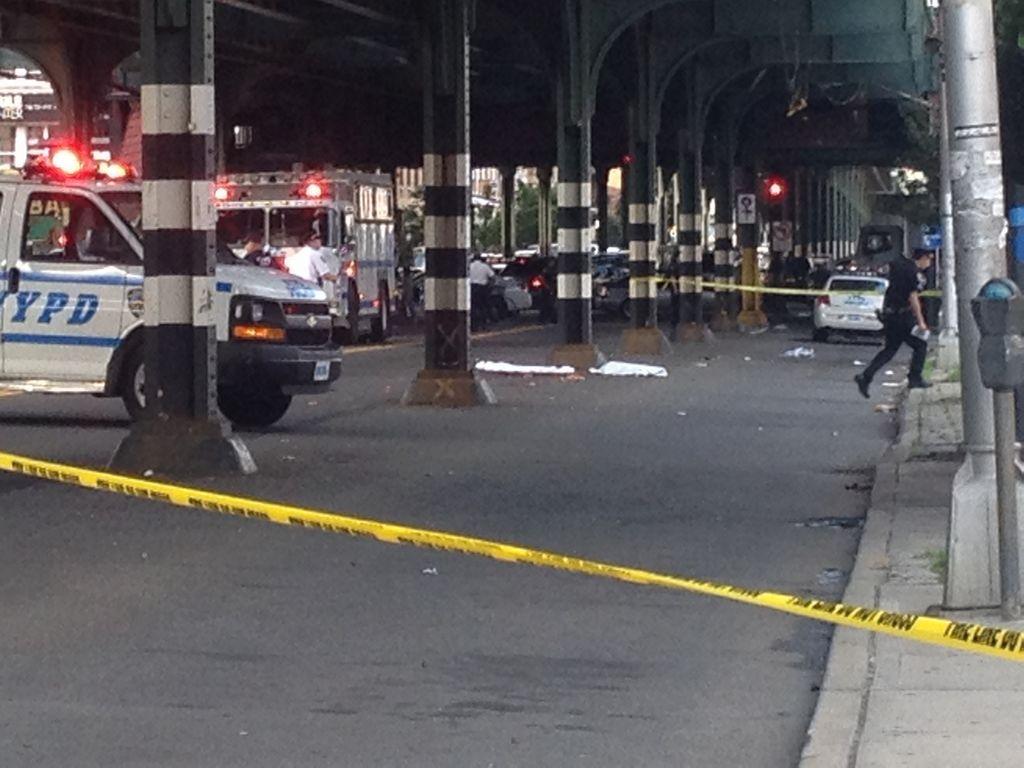 Hombre se suicida en Queens al lanzarse a vías del tren N