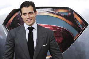 Henry Cavill tiene a Superman en sus genes