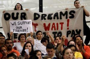 Votantes apoyan proyecto de reforma migratoria