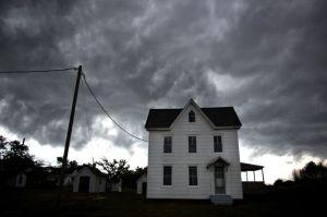 Tormentas en EEUU dejan inundaciones y miles sin luz