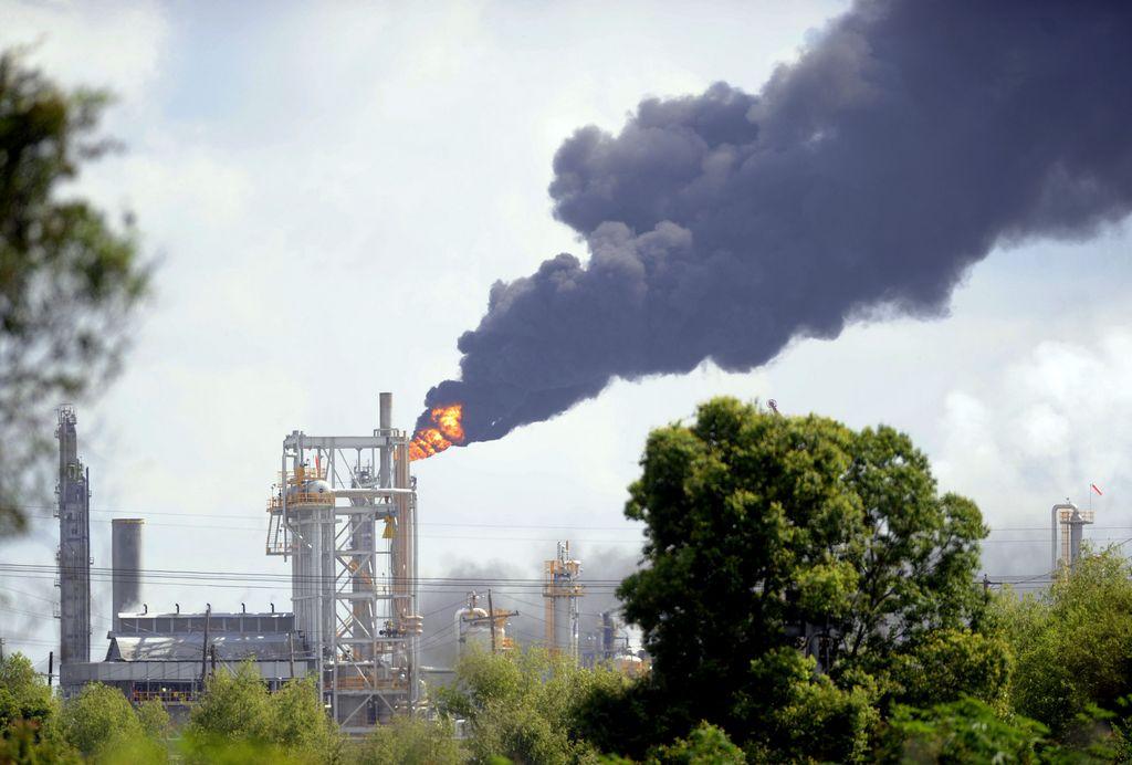 Explosión en planta química de Luisiana deja heridos (video)