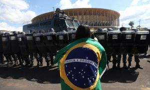 Nueva protesta en Brasilia exige libertad de cuatro presos