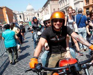 Papa Francisco bendice a miles de motociclistas (fotos)